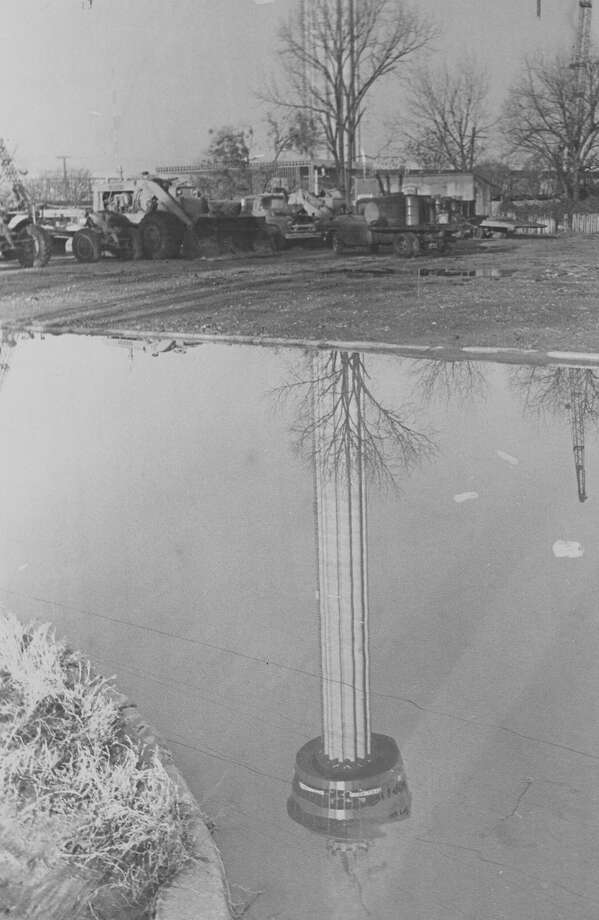 Construction continues on the Tower of the Americas on Jan. 23, 1968. Photo: San Antonio Express-News File Photo