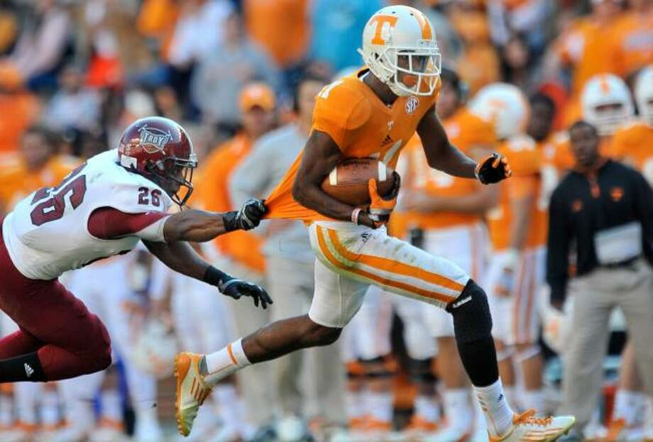 29. New England - Justin Hunter, WR, TennesseeBill Belichick lost so many receivers he has to use this pick on a receiver.