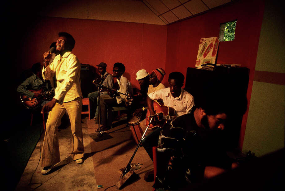 Jimmy Cliff performing at his home in Kingston for Harcourt Film 'Roots Rock Reggae'  in 1977. Photo: Chris Morphet, Redferns / Redferns