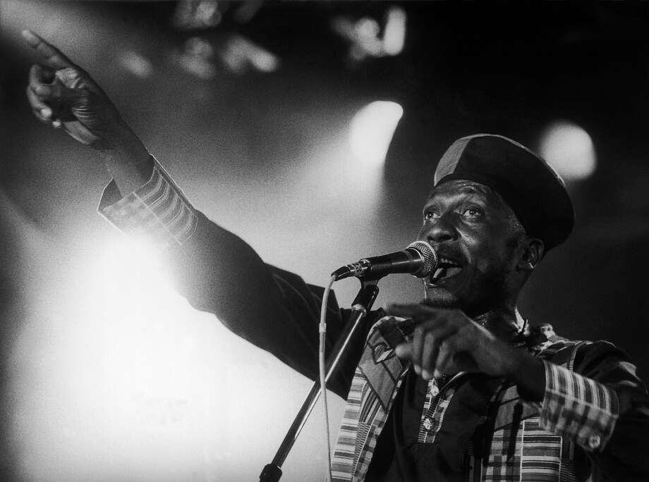 The Jamaican singer Jimmy Cliff performing on the stage of the Festival of Montreux in 1991. Photo: Keystone-France, Gamma-Keystone Via Getty Images / 1991 Keystone-France
