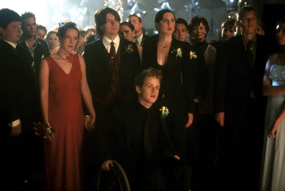 Jena Malone, Macaulay Culkin and the other classmates at prom in a scene from the film 'Saved!', 2004. Photo: Archive Photos, Getty Images / 2012 Getty Images