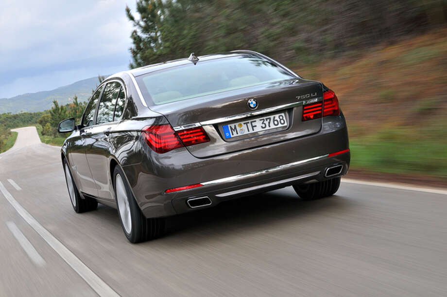 The big BMW is not great in the gas mileage wars -- it gets an EPA rating of 16/24 mpg, city/highway