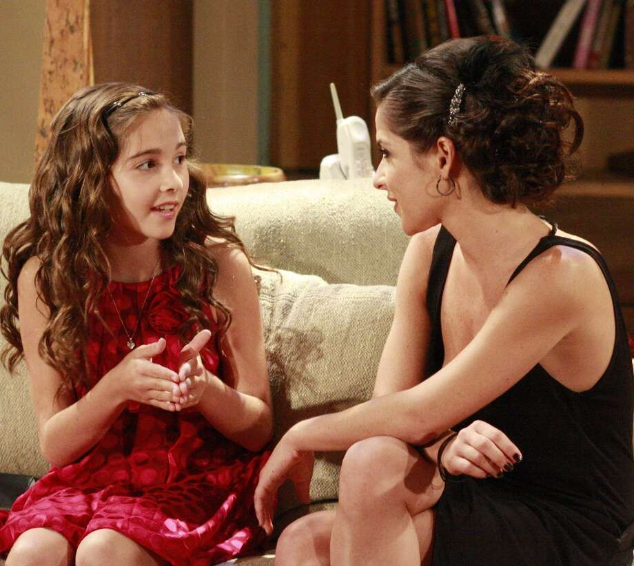 Haley Alexis Pullos (Molly) and Kelly Monaco (Sam) in a scene that airs the week of September 21, 2009 Photo: Ron Tom, ABC Via Getty Images / 2009 American Broadcasting Companies, Inc.