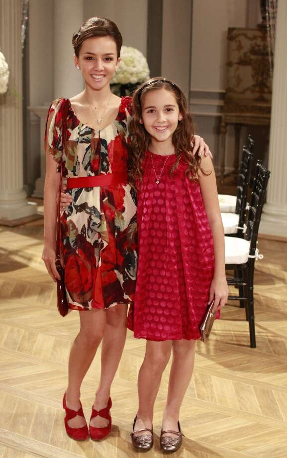 Lexi Ainsworth (Kristina) and Haley Alexis Pullos (Molly) in a scene that airs the week of September 21, 2009 Photo: Ron Tom, ABC Via Getty Images / 2009 American Broadcasting Companies, Inc.