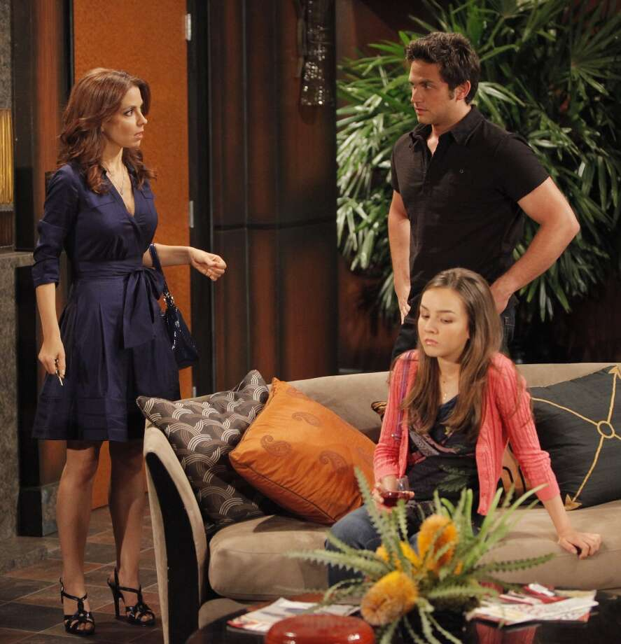 Lisa LoCicero (Olivia), Lexi Ainsworth (Kristina) and Brandon Barash (Johnny) in 2010. Photo: Greg Zabilski, ABC Via Getty Images / 2010 American Broadcasting Companies, Inc.