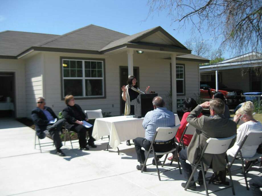 Last week, District 3 Councilwoman Leticia Ozuna speaks on behalf of the city's Pilot Infill Program at the dedication of a green, affordable home at 223 Quinta. Photo: Jeremy T. Gerlach / Southside Reporter
