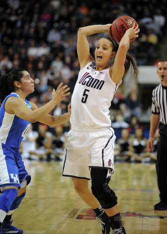 UConn's Caroline Doty looks to pass during their 83-53 victory over Kentucky in the elite eight round of the NCAA Women's Basketball Tournament at the Webster Bank Arena in Bridgeport, Conn. on Monday, April 1, 2013. Photo: Brian A. Pounds / Connecticut Post