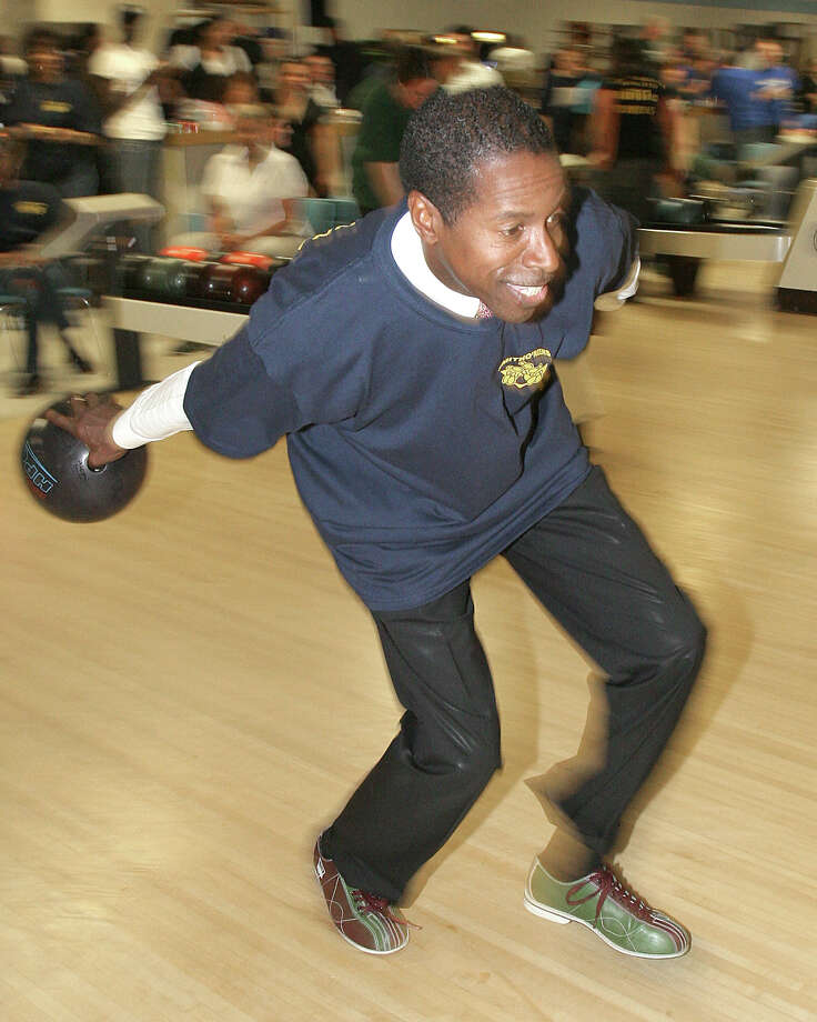 Senate Majority Leader Malcolm Smith hits the lanes at the 18th annual Legislative Bowl-A-Thon onMay 19, 2009,for the Be The Match Foundation, an organization dedicated to creating an opportunity for all patients to receive the bone marrow or umbilical cord blood transplant they need, when they need it.(Joe Putrock / Special to the Times Union) Photo: Joe Putrock, Albany Times Union