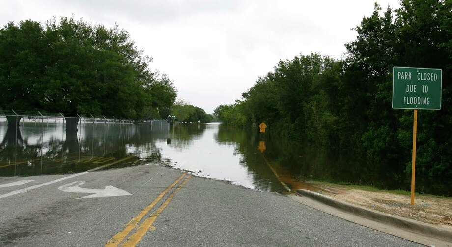 Bear Creek Park on Hwy 6, remains closed and under water,  April, 30, 2009. Heavy rains earlier in the week produced widespread flooding problems in the area. ( Karen Warren / Chronicle ) Photo: Karen Warren, Staff / Houston Chronicle
