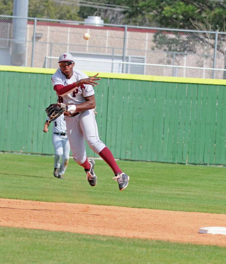 Pearland junior shortstop Kalen Johnson and the Oilers play Friday at Pasadena. Photo: L. Scott Hainline / Freelance