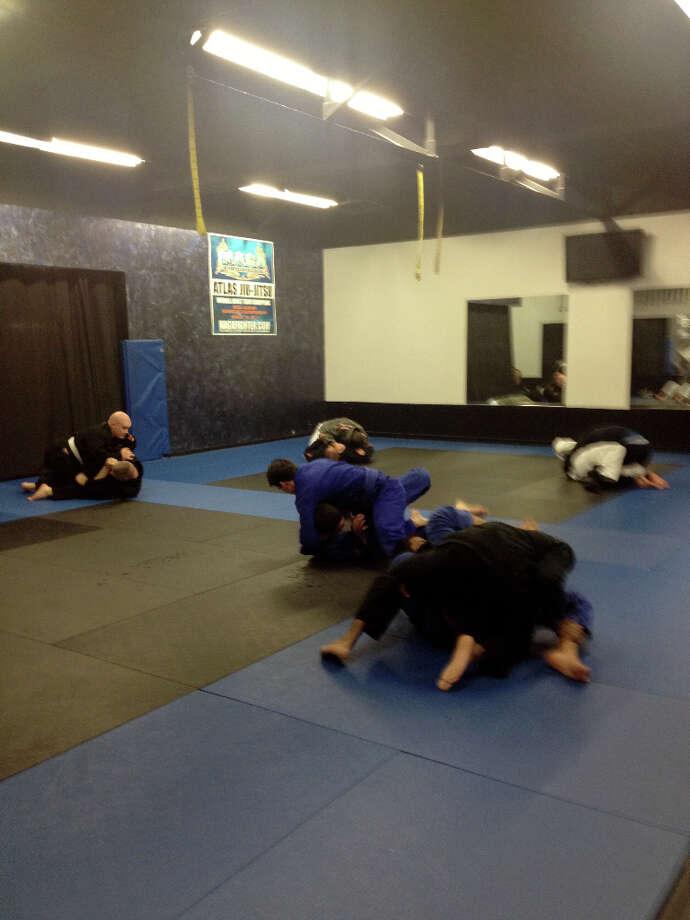 A typical Monday night advanced gi jiu jitsu class