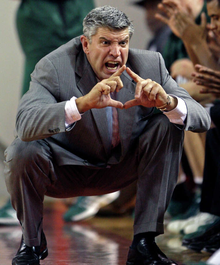 Loyola, Md. coach Jimmy Patsos directs his team in the second half of their 78-48 loss to Davidson in an NCAA college basketball game in Davidson, N.C., Tuesday, Nov. 25, 2008. Photo: Chuck Burton, AP / AP