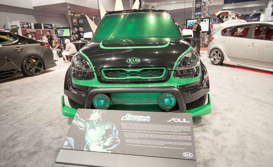 Green Lantern Kia Soul Photo: Car&Driver.com