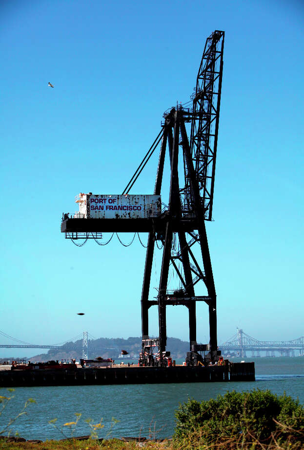 A pair of ospreys built their nest at the top of this crane at the end of Pier 80, shown in San Francisco, Calif., Tuesday, July 3, 2012.  The port stopped using the crane to give the ospreys space until their breeding season is over. Photo: Sarah Rice, Special To The Chronicle / ONLINE_YES