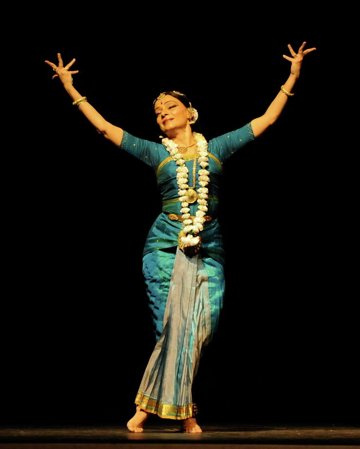 Contemporary Bharatanatyam dancer Malavika Sarukkai will perform Friday. Photo: Asia Society Texas Center