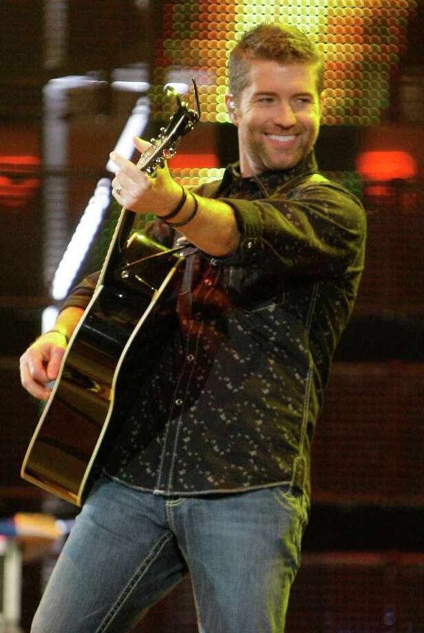 Josh Turner Photo: Melissa Phillip, Staff / Houston Chronicle