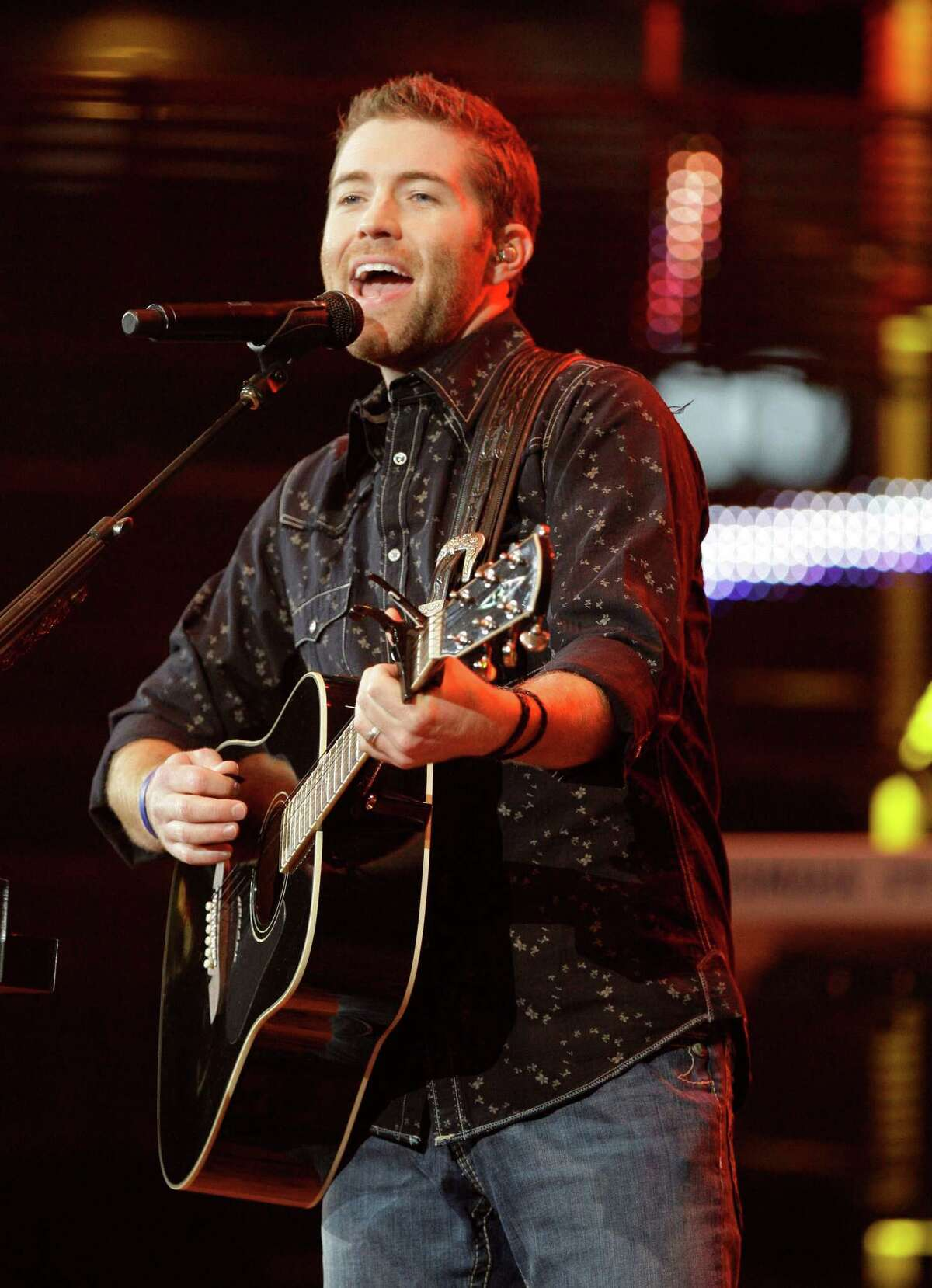 Josh Turner performs at the Houston Livestock Show and Rodeo Saturday, March 14, 2009, in Houston. (Melissa Phillip / Chronicle )