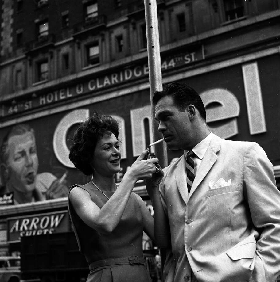 Carl Betz and wife Lois On Location In New York City - Shoot Date: October 15, 1959. (Photo by ABC Photo Archives/ABC via Getty Images) Photo: ABC Photo Archives, ABC Photo Archives/Getty Images / 2011 American Broadcasting Companies, Inc.