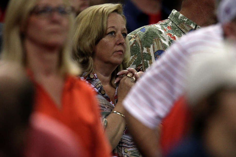 Astros fans stand for the final out during the ninth inning. Photo: Karen Warren, Houston Chronicle / © 2013 Houston Chronicle