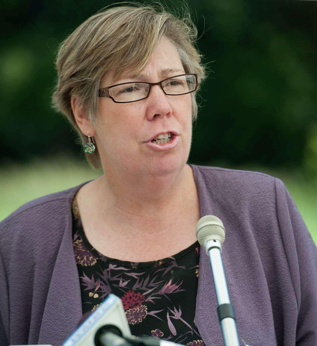 101977 ---Wayne --- Friday, September 25, 2012 --- EPA Regional Administrator Judith Enck AMY NEWMAN/STAFF PHOTOGRAPHER