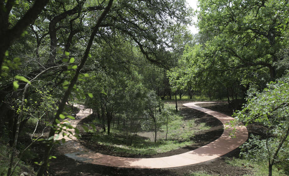 "About 325 guests are expected to attend Thursday night's ""Connect to Nature"" gala at Hardberger Park. Photo: San Antonio Express-News File Photo"