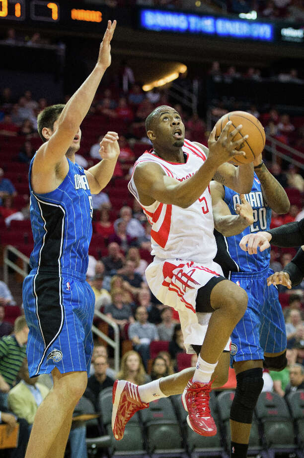 Rockets guard James Anderson drives to the basket against. Photo: Smiley N. Pool, Houston Chronicle / © 2013  Houston Chronicle