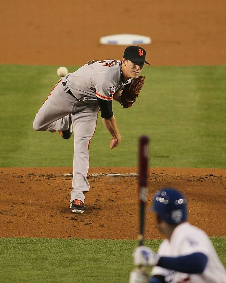 Giants starter Tim Lincecum tied his career high with seven walks in just five innings against the Dodgers. Photo: Victor Decolongon, Getty Images