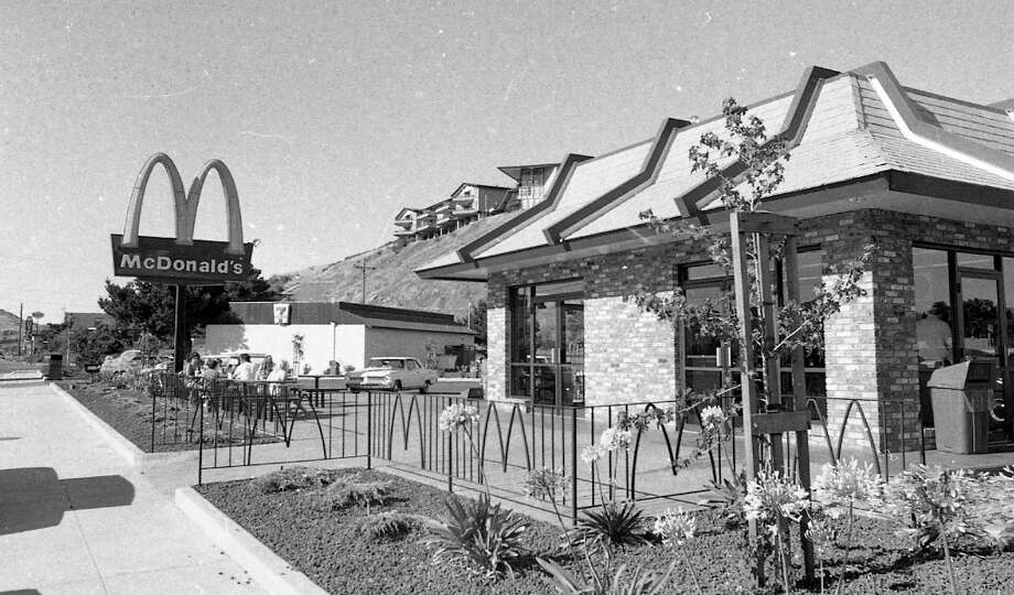 """Feb. 27, 1973: This Mill Valley McDonald\'s was the most beautiful in fast food history. It looks like they had a full-time gardener. Notice the specialty-welded \""""M\"""" railing arches. Remember when presentation mattered? Now you\'re lucky if there\'s no one shooting heroin in your Burger King bathroom. Photo: Stan Creighton, The Chronicle / ONLINE_YES"""