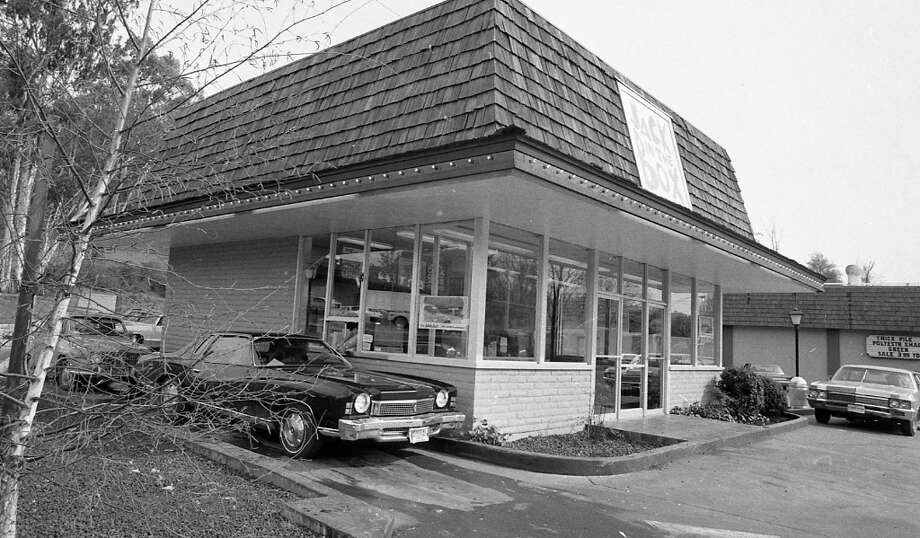 Feb. 27, 1973: A look at the exterior of the Jack in the Box at 1814 2nd St. in San Rafael. This was early in the drive-through era in the Bay Area, but there was very little seating inside. Looking at the different angles of this building, it was pretty much out in the country. Photo: Stephanie Maze, The Chronicle / ONLINE_YES