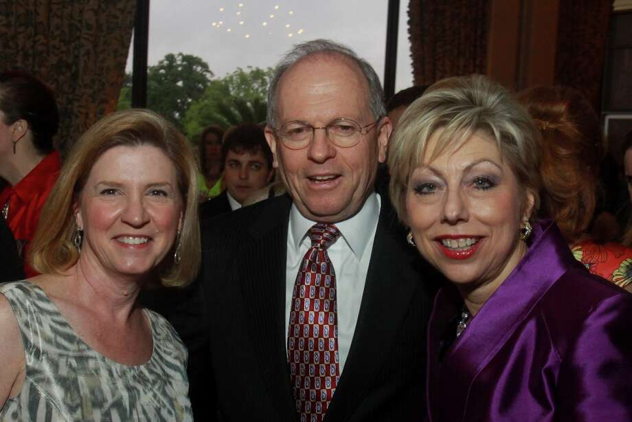 Cindy Ivey, left, with John and Jano Kelley. Photo: Gary Fountain, For The Chronicle / Copyright 2013 Gary Fountain