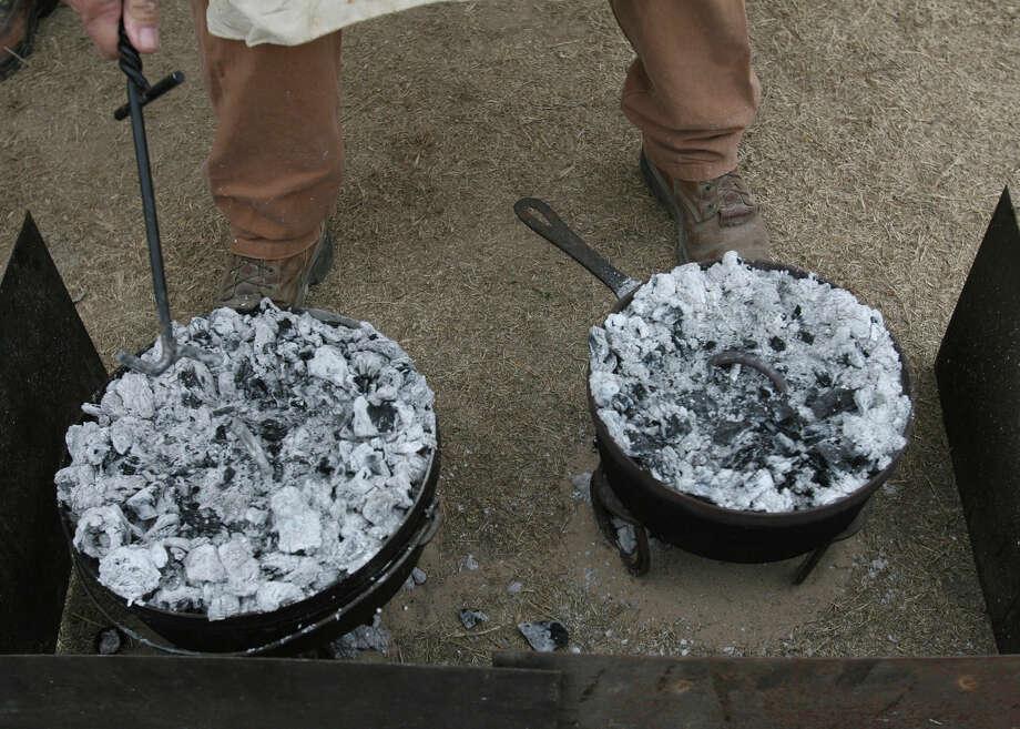 State Cooking ImplementDutch Oven,Senate Concurrent Resolution No. 9, 79th Legislature, Regular Session (2005) Photo: DELCIA LOPEZ, File Photo / delopez@express-news.net