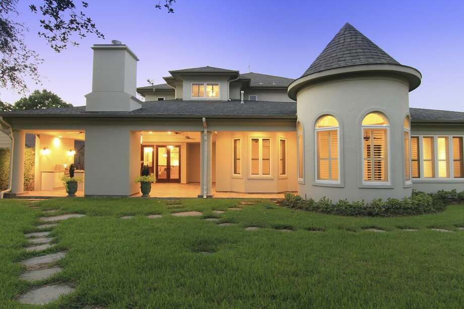 BACKYARD VIEW...another view, area has infinite possibilities. Photo: Martha Turner Properties