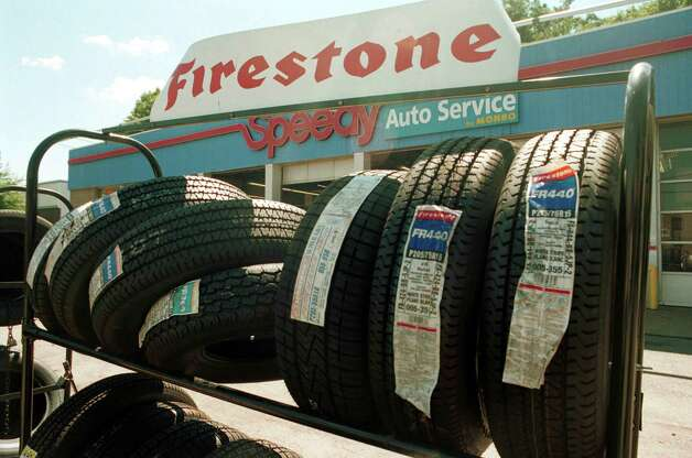 ford firestone rollover deaths Firestone tires and the ford explorer this is the real problem in the ford explorer - firestone tire story there were 10,000 deaths in highway rollover accidents last year alone and most of these preventable.