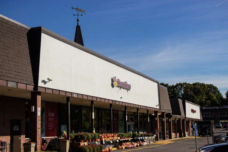 The Stop & Shop at 138 Heights Rd. in Darien, Conn. Photo: Luv Bajaj, Contributed Photo / Connecticut Post Contributed