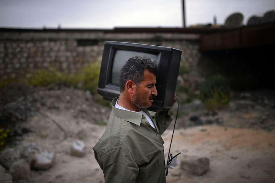 Jordan boosts security amid Syrian chaos - SFGate