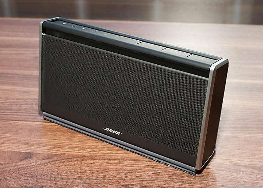 Bose SoundLink Bluetooth mobile speaker II Photo: Cnet Review