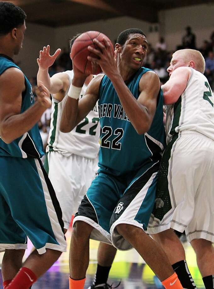 Marcus Lee said a real sense of family led to his decision to choose Kentucky. Photo: Dennis Lee, MaxPreps.com