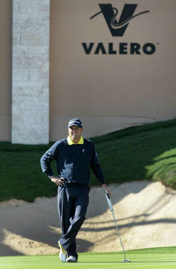 Matt Bettencourt waits to putt on the 18th green, which he parred, during the first round of the Valero Texas Open Thursday April 4, 2013. Bettencourt shot a 67, 5 under par. Photo: Bob Owen, Express-News / ©2013 San Antonio Express-News