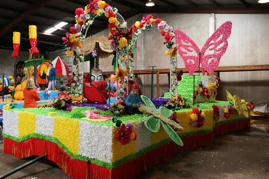 Battle Of Flowers Parade Unveils All New Floats For 2013