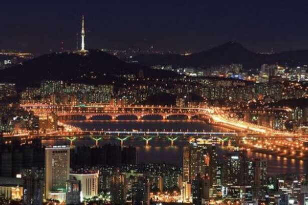 Bridges along the Han River in downtown Seoul, South Korea (Photo: KTO)