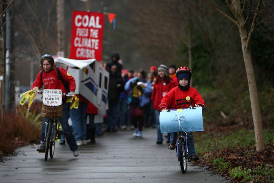 People march along the Burke-GIlman Trail during a February protest against proposed coal trains. Photo: JOSHUA TRUJILLO, SEATTLEPI.COM