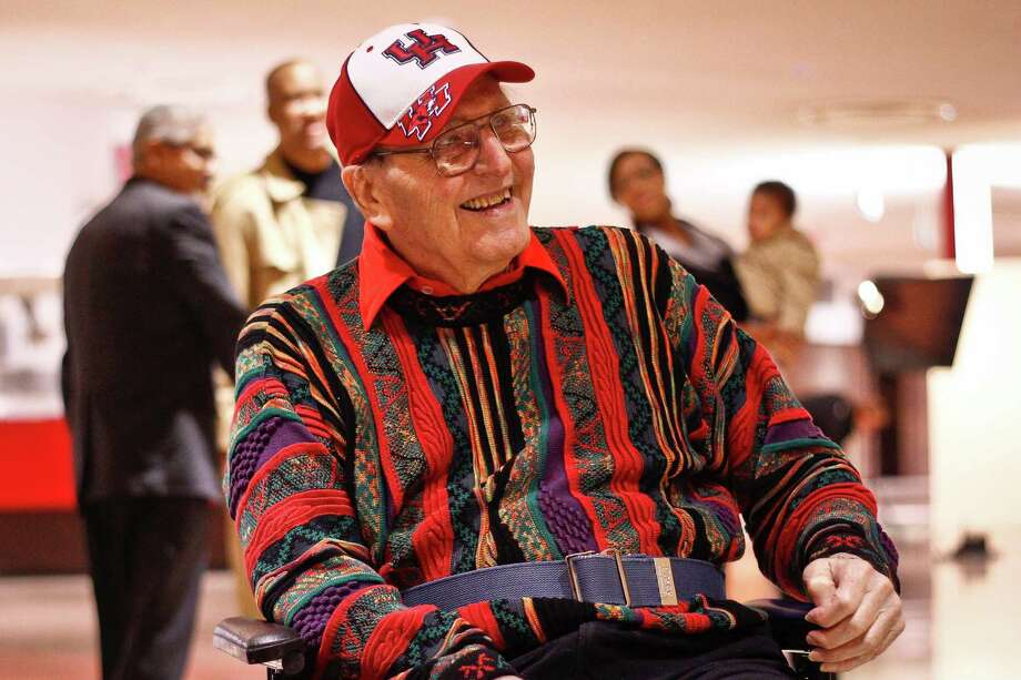 Guy V. Lewis, 91, is held in high regard by those who competed for him during his 30-year coaching career at the University of Houston. He helped popularize the college game. Photo: Michael Paulsen, Staff / Houston Chronicle