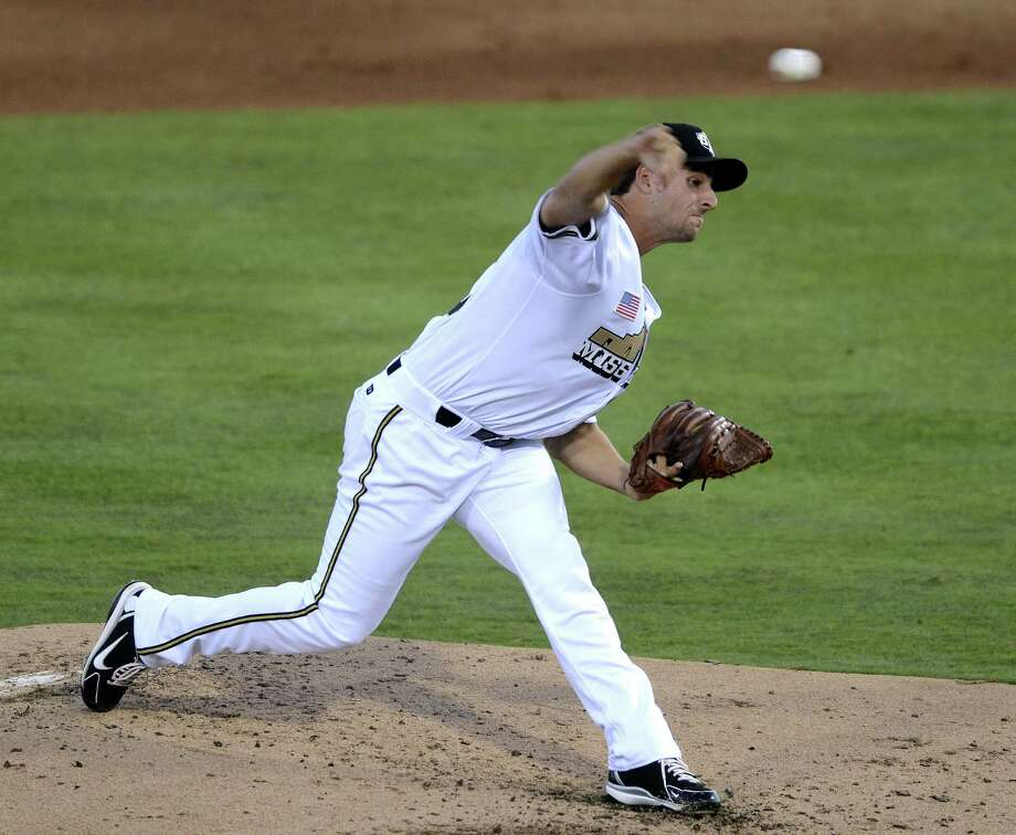 Missions pitcher Donn Roach got the win in the club's season opener Thursday night. Roach struck out four and walked two in five innings. Photo: Billy Calzada / San Antonio Express-News