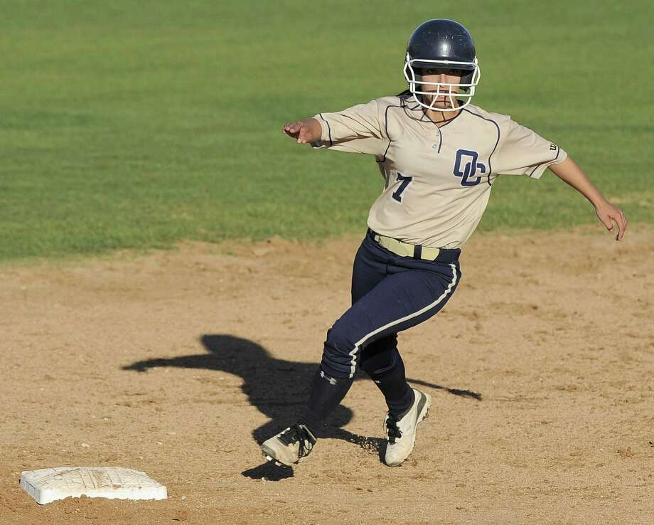 O'Connor's Alex Scheel, rounding second base against rival Holmes on Thursday, scored two runs in the Panthers' 4-1 victory. Top-ranked O'Connor has won 19 games in a row. Photo: Darren Abate / For The Express-News
