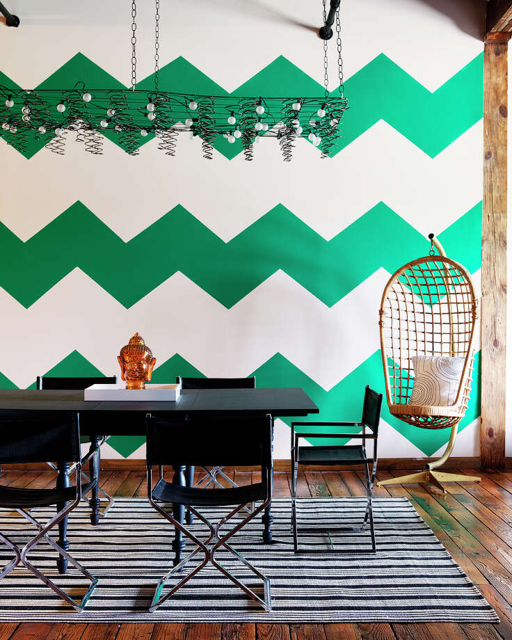 Stencils create the look of patterned wallpaper on a rental apartment wall. Photo: Joe Schmelzer, HONS / Courtesy Kyle Schuneman