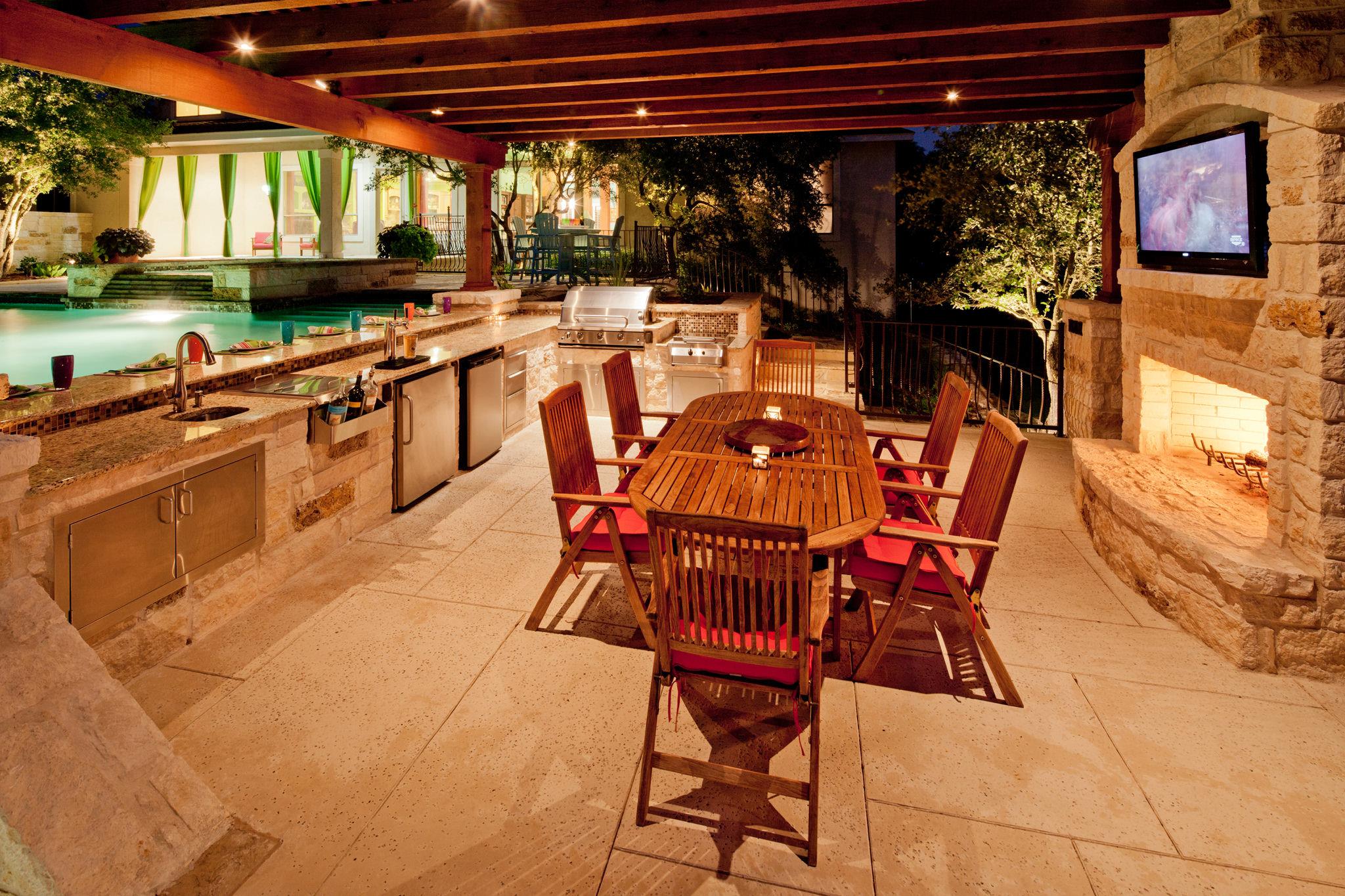 Planning a functional outdoor kitchen - San Antonio ...