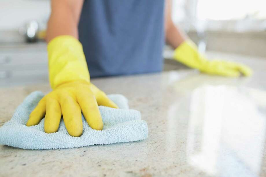 Cleaning with natural cleaning prodcuts is good for your budget and the environment. (Fotolia) Photo: Wavebreak Media LTD / WavebreakmediaMicro - Fotolia