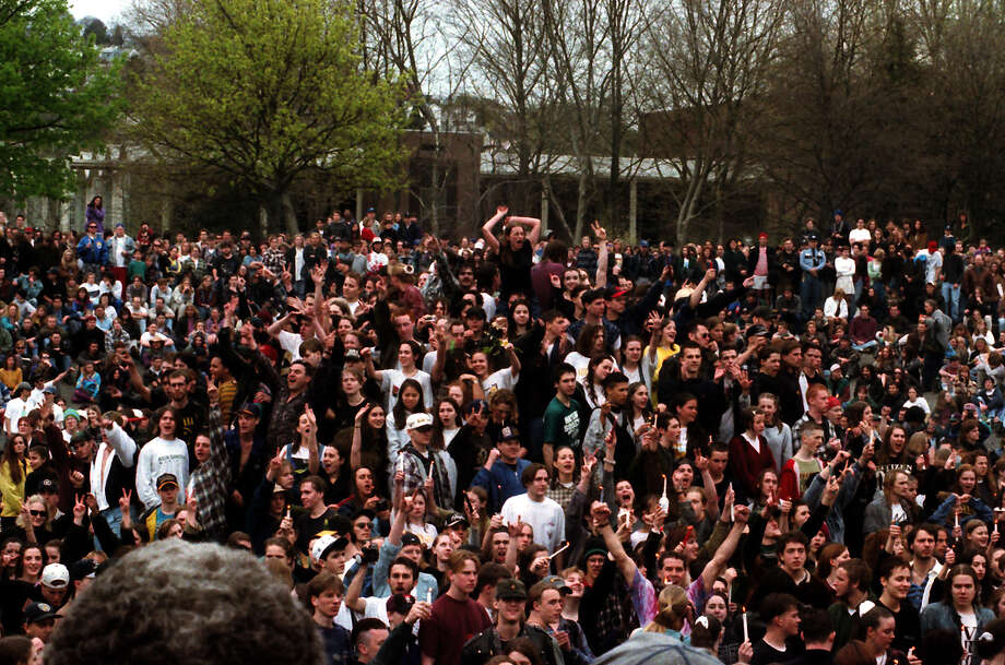 Roughly 7,000 people attended a public memorial for Kurt Cobain, held April 10, 1994, at Seattle Center. Photo: P-I Staff Photographer/CopyrightMOHAI, Seattle Post-Intelligencer Collection, 2000.107_19940410_0052.