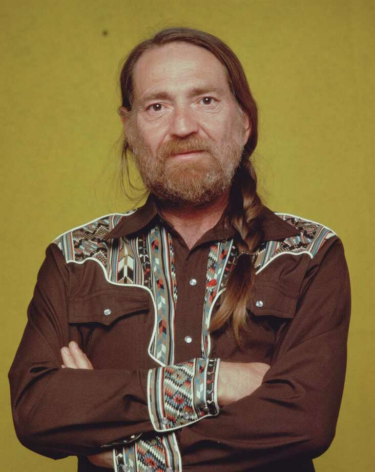 Business casual Willie: Nelson snaps up in the mid-'80s. Photo: CBS Photo Archive, Getty Images /  Copyright ©1986 CBS Broadcasting Inc. All Rights Reserved. Credit: CBS Photo Archive.