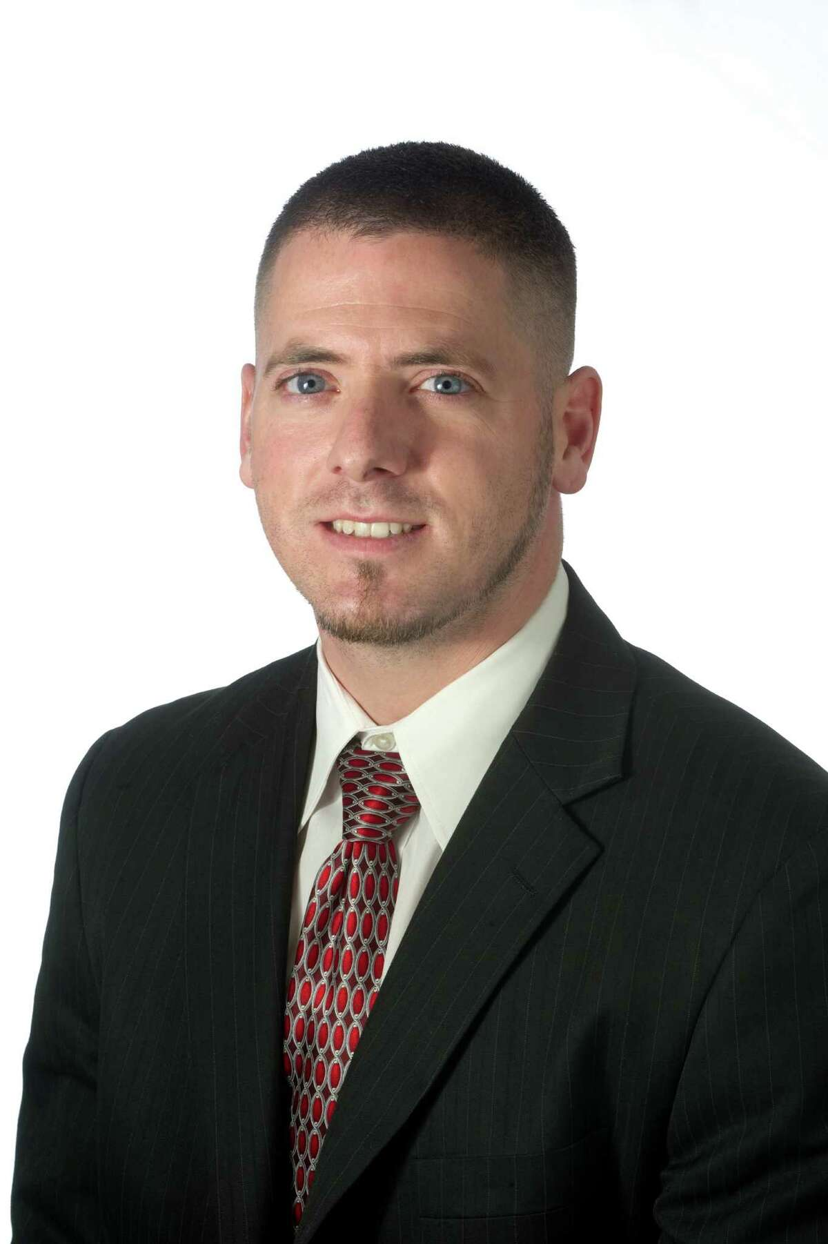 Brandon Huskey has been named vice president, branch sales and service manager of its recently opened Mercantil Commercebank at 12145 FM 1960 West.